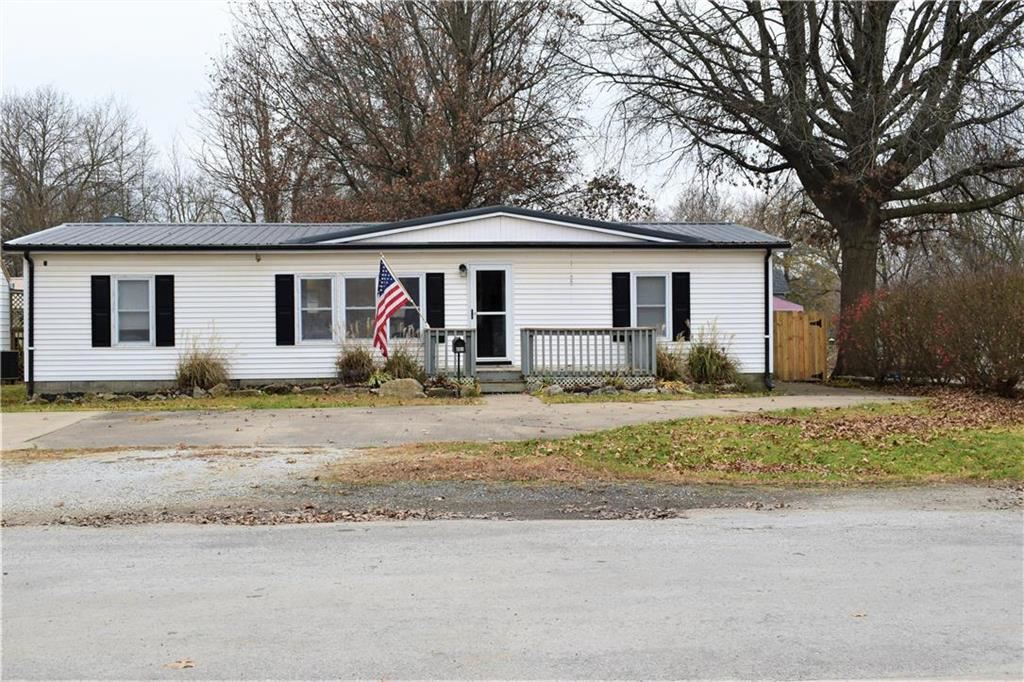 Photo of 601 W Florence Street, Windsor, MO 65360 (MLS # 2253591)