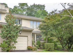 Photo of 31 Tulip Tree Lane, Mamaroneck, NY 10543 (MLS # 4742038)