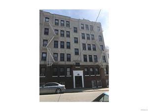 Photo of 100 Livingston Avenue, Yonkers, NY 10705 (MLS # 4728076)