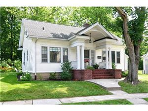 Photo of 32 Chestnut Avenue, Pelham, NY 10803 (MLS # 4729102)
