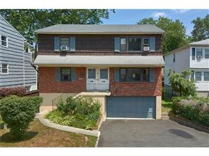 Photo of 15 Walnut Lane, Harrison, NY 10528 (MLS # 4735233)