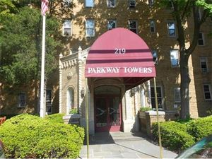 Photo of 219 BRONX RIVER Road, Yonkers, NY 10704 (MLS # 4722290)