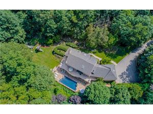 Photo of 33 Hemlock Hills, Chappaqua, NY 10514 (MLS # 4740685)