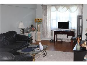 Photo of 76 Dehaven Drive, Yonkers, NY 10703 (MLS # 4735895)