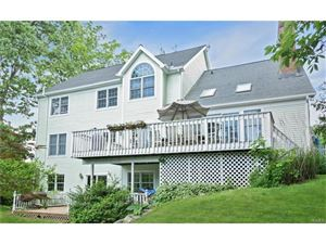 Photo of 16 Waterview Drive, Ossining, NY 10562 (MLS # 4728937)