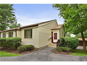 Photo of 43 Jefferson Oval, Yorktown Heights, NY 10598 (MLS # 4732963)