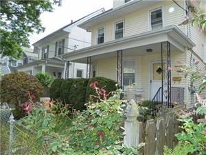 Photo of 12 White Stone Place, New Rochelle, NY 10801 (MLS # 4735968)