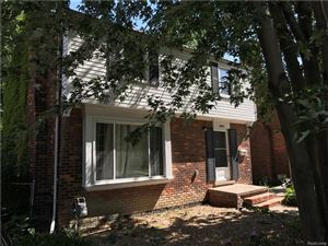 Photo of 1984 COUNTRY CLUB, Grosse Pointe, MI 48236 (MLS # 21379731)