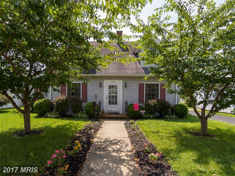 Photo for 308 MAPLE AVE, FEDERALSBURG, MD 21632 (MLS # CM10035027)