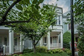 Photo of 2044 OAKLAND ST, ARLINGTON, VA 22207 (MLS # AR10063033)