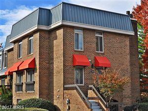 Photo of 1721 HAYES ST S #B, ARLINGTON, VA 22202 (MLS # AR10102043)