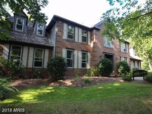 Photo of 6400 WOODLAND RUN CT, CLIFTON, VA 20124 (MLS # FX10070083)