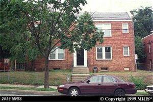 Photo of 300 34TH ST SE, WASHINGTON, DC 20019 (MLS # DC9984135)