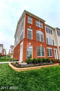 Photo of 25099 GUNNERY SQ, CHANTILLY, VA 20152 (MLS # LO10029214)