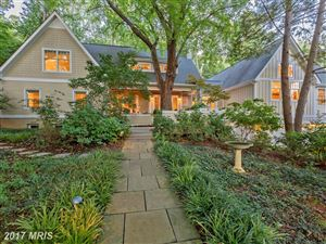 Photo of 821 CLINTON PL, McLean, VA 22101 (MLS # FX9965232)