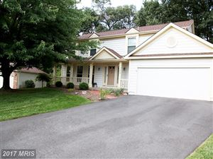 Photo of 3600 FISHERS HILL CT, FAIRFAX, VA 22033 (MLS # FX10030355)