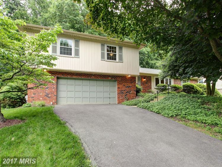 Photo for 18817 ROLLING ACRES WAY, OLNEY, MD 20832 (MLS # MC9964357)