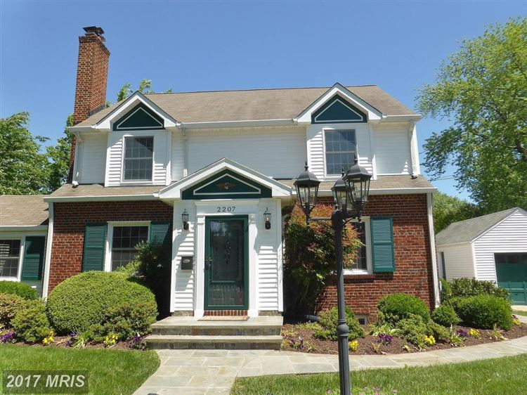Photo for 2207 MINOR ST, ALEXANDRIA, VA 22302 (MLS # AX9979382)