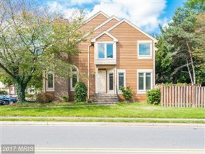 Photo of 1069 NICKLAUS CT, HERNDON, VA 20170 (MLS # FX10060411)