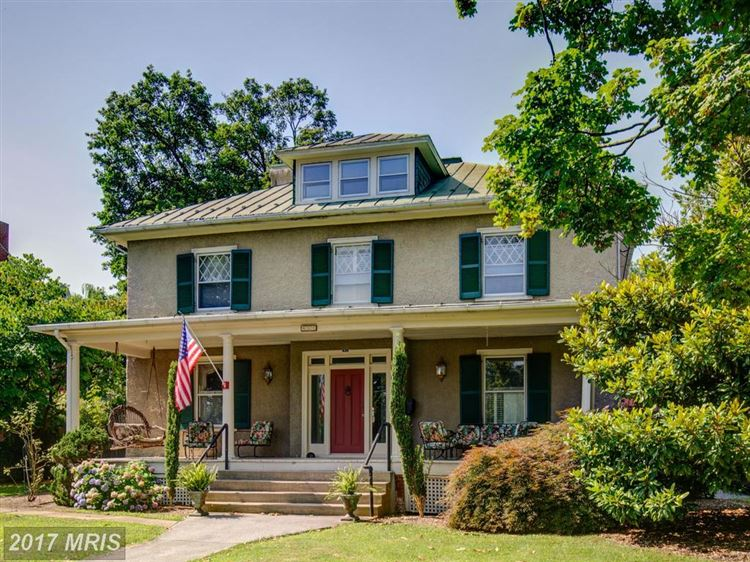 Photo for 411 CLIFFORD ST, WINCHESTER, VA 22601 (MLS # WI10011425)