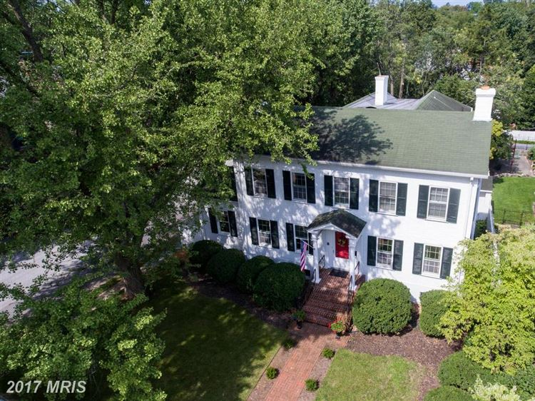 Photo for 321 STEWART ST, WINCHESTER, VA 22601 (MLS # WI10034446)