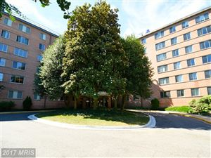 Photo of 3000 SPOUT RUN PKWY #B603, ARLINGTON, VA 22201 (MLS # AR9988467)