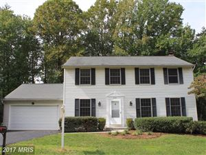 Photo of 3325 MONARCH LN, ANNANDALE, VA 22003 (MLS # FX10063471)