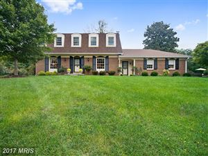 Photo of 10408 HUNTRACE WAY, VIENNA, VA 22182 (MLS # FX10061476)