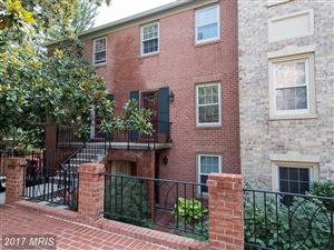 Photo of 1600 BEEKMAN PL NW #B, WASHINGTON, DC 20009 (MLS # DC10034477)