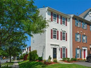 Photo of 26097 LANDS END DR, CHANTILLY, VA 20152 (MLS # LO10023518)