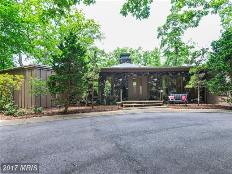 Photo for 1690 NORTH HARBOR CT, ANNAPOLIS, MD 21401 (MLS # AA10054582)