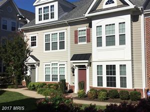 Photo of 33 STEEPLECHASE DR, LA PLATA, MD 20646 (MLS # CH10065592)