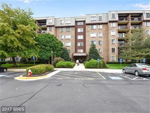 Photo of 2817 JERMANTOWN RD #408, OAKTON, VA 22124 (MLS # FX10055592)