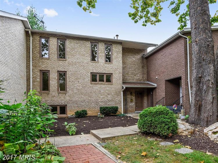 Photo for 2 GUY CT, ROCKVILLE, MD 20850 (MLS # MC10055613)