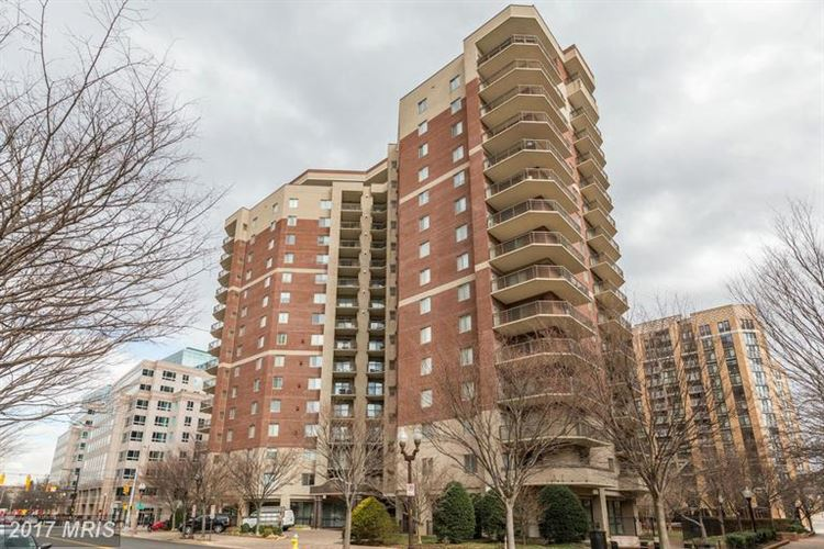 Photo for 901 MONROE ST N #707, ARLINGTON, VA 22201 (MLS # AR9856699)