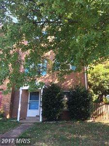 Photo of 13736 PENWITH CT, CHANTILLY, VA 20151 (MLS # FX10088718)
