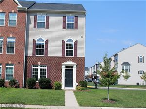 Photo of 42982 SPYDER PL, CHANTILLY, VA 20152 (MLS # LO10052786)