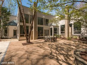 Photo of 905 MACKALL AVE, McLean, VA 22101 (MLS # FX10053829)