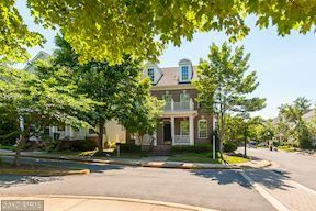Photo of 9775 MAPLE TRACE CIR, FAIRFAX, VA 22032 (MLS # FC9984837)