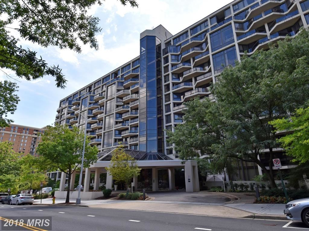 Photo for 1530 KEY BLVD #131, ARLINGTON, VA 22209 (MLS # AR10055891)