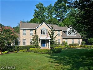Photo of 5953 FAIRVIEW WOODS DR, FAIRFAX STATION, VA 22039 (MLS # FX10017897)