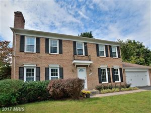 Photo of 9421 MEADOW SHIRE LN, GREAT FALLS, VA 22066 (MLS # FX10058954)