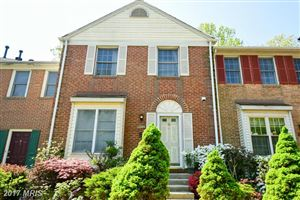 Photo for 10635 LAKESIDE OAK CT, BURKE, VA 22015 (MLS # FX9923968)
