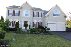 Photo of 35736 ROUNDLEAF CT, ROUND HILL, VA 20141 (MLS # LO9982990)
