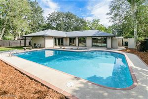 Photo of 9490 BEAUCLERC COVE RD, JACKSONVILLE, FL 32257 (MLS # 899325)