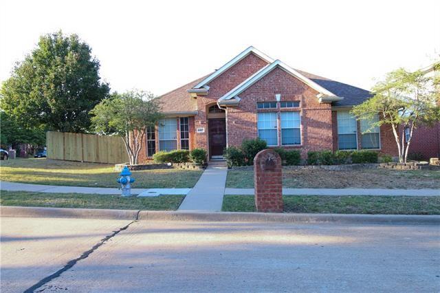 Photo for 4420 Buena Vista Lane, McKinney, TX 75070 (MLS # 13692043)