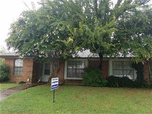 Photo of 702 Berry Lane, Cedar Hill, TX 75104 (MLS # 13664096)