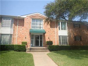 Photo of 6007 SANDHURST Lane #B, Dallas, TX 75206 (MLS # 13690337)