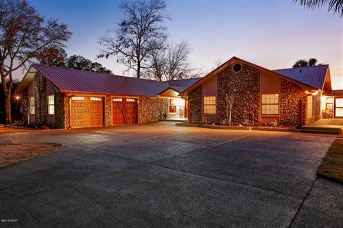 Featured picture for the property 666837