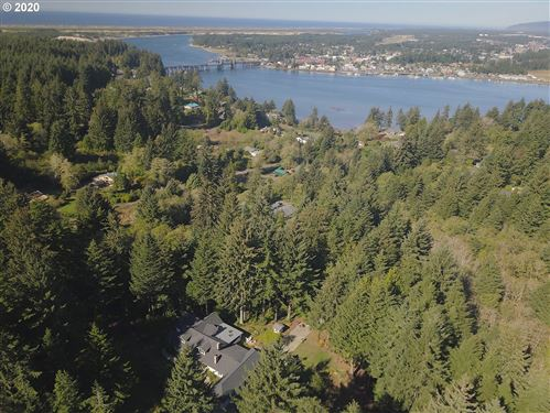 Photo of 85545 Pine ST, Florence, OR 97439 (MLS # 17283691)